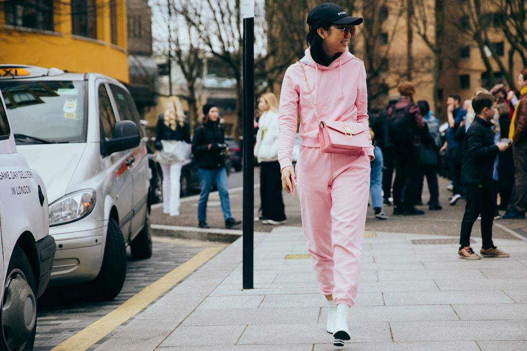 streetsnaps-london-fashion-week-february-2017-cris-fragkou13