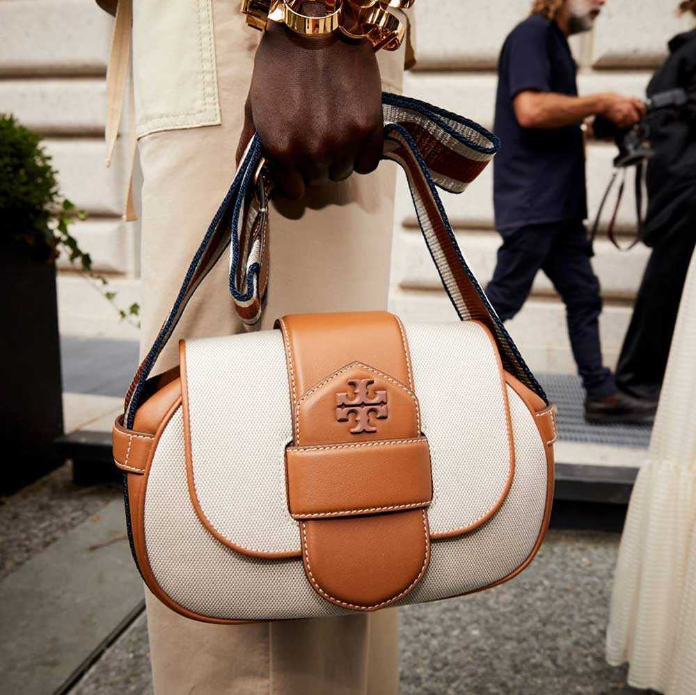 Borse a spalla Tory Burch primavera estate 2019 – credit @toryburch