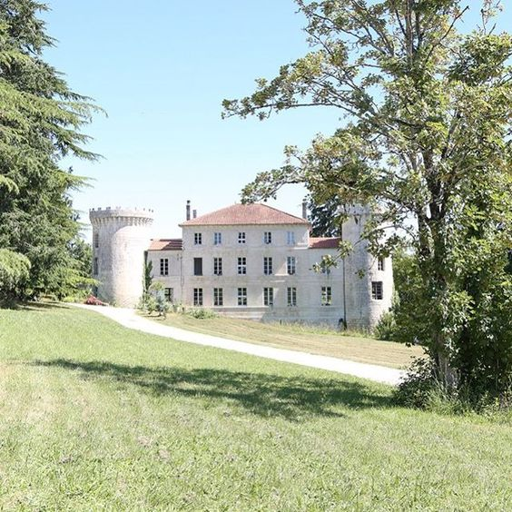 friday-finds-le-chateau-de-dirac