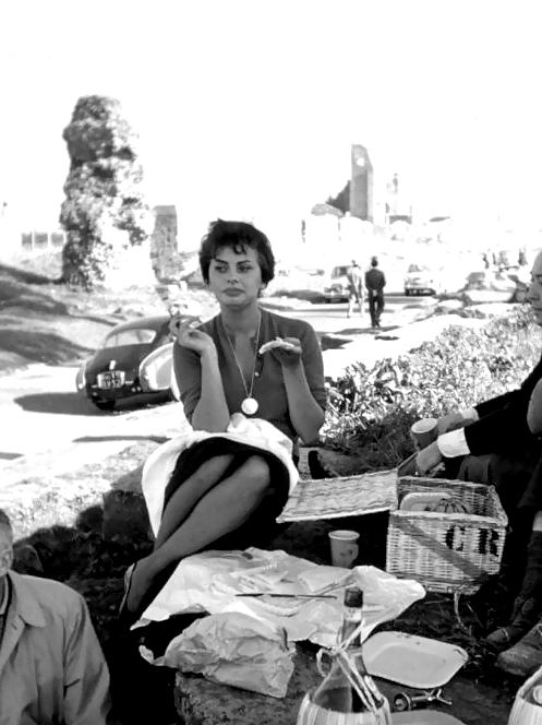 Sophia Loren 1957 Ph via
